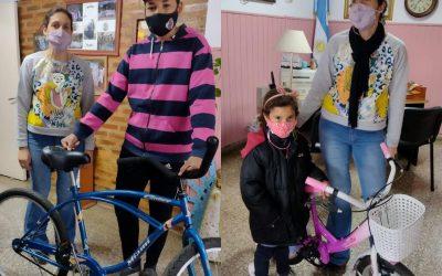 Mes de la Niñez: ganadores recibieron bicicletas